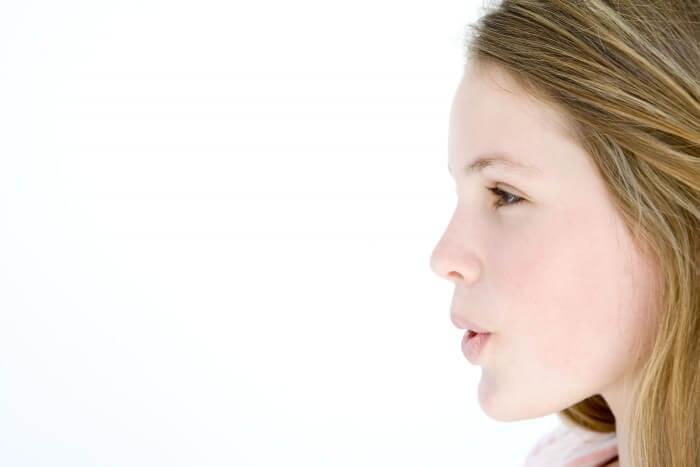 Sử dụng miếng ngậm thơm miệng có an toàn không?