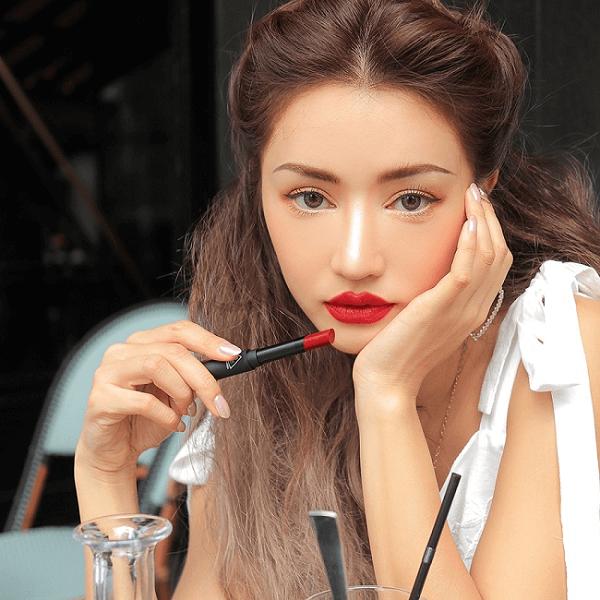 son 3ce slim velvet lip color true red do thuan 3 600x600 - Son 3CE Slim Velvet Lip Color True Red ( Đỏ Thuần )