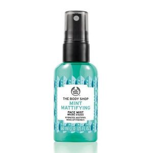 xit khoang the body shop mint mattifying face mist 60ml 300x300 - Xịt khoáng The Body Shop Mint Mattifying Face Mist 60ml
